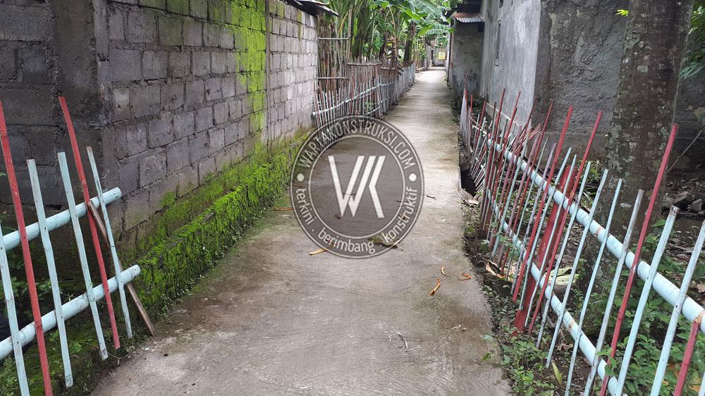Jalan setapak di Desa Tanjungan